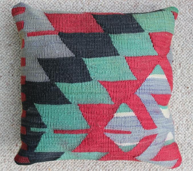 kilim-cushion-12-.jpg